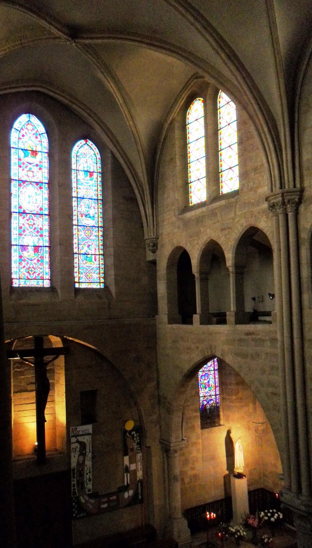 Le chœur de l'église de Créteil vu depuis le triforium droit