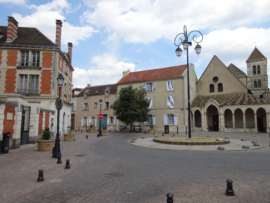 La place d'Armes dans le vieux Saint-Maur