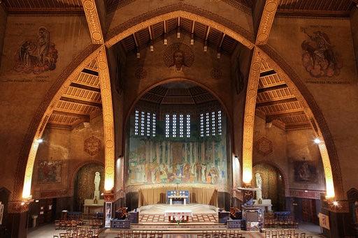 L'autel de l'église Saint-Louis à Vincennes